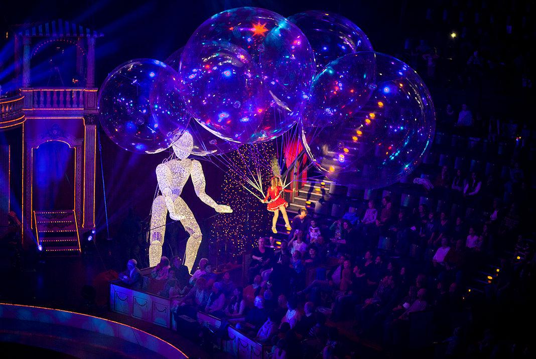 großpuppe dundu im circus roncalli