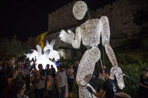 Giant Puppet DUNDU in Jerusalem Edgars Blumbergs